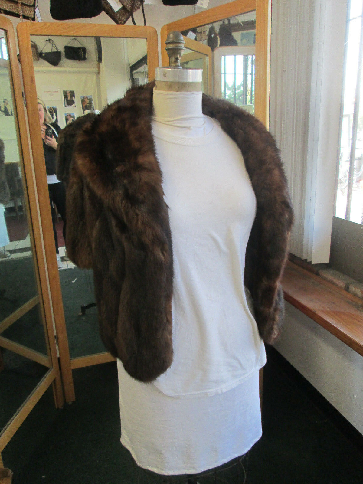 Somper Furs Beverly Hills Dyed Sable Capelet Small