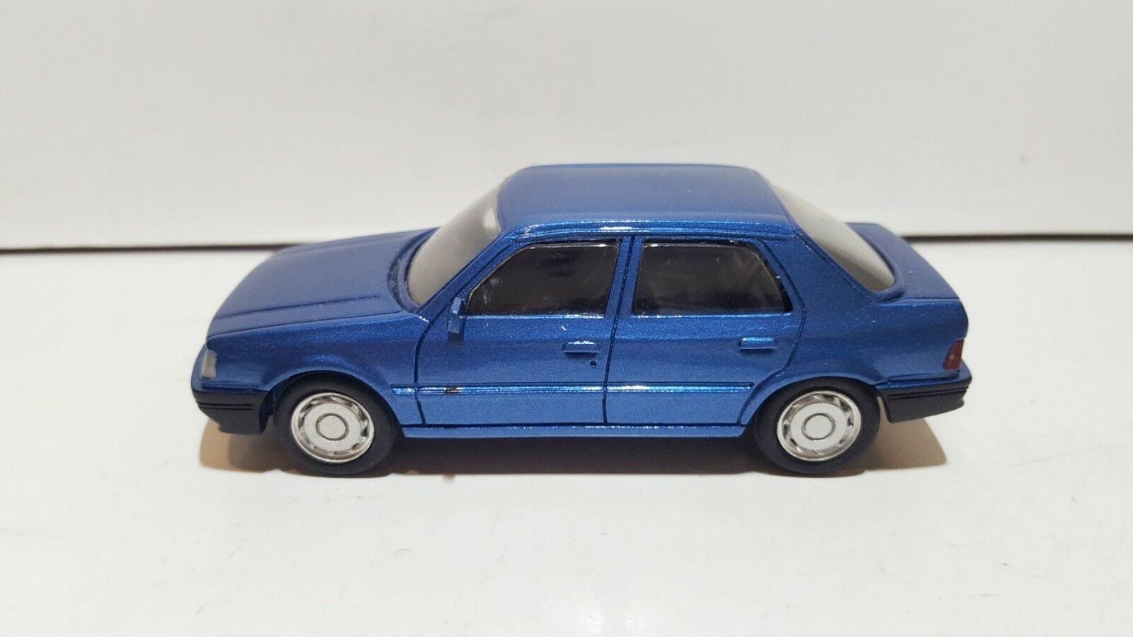 PARADCAR 56 France Resin Peugeot 309 Hand made 1 43 mint no box RARE SUPER