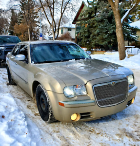 2008 Chrysler 300C Hemi w 2 Sets of Tires/Rims, Remote Starters