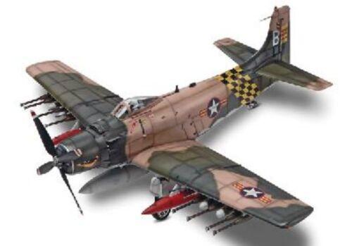 Kit Revell//Monogram 1//48 n° 15312 Bombardier d/'appui DOUGLAS AD-6 SKYRAIDER
