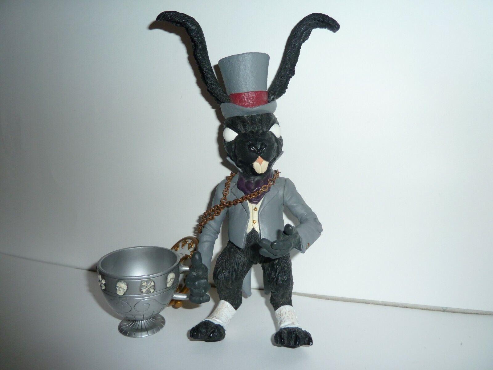 American McGee's Alice in wonderland madness returns Weiß rabbit statue figure