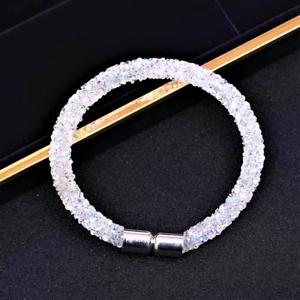 Pulsera Magnética de Cristal claro iridiscente aplastado hecho con Swarovski Elements