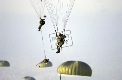 US ARMY USA Airborne Combat Team conduct parachute air drop 8X12 PHOTOGRAPH