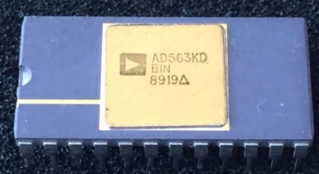 ANALOG DEVICES AD7111KN LC2 MOS LOGDAC Logarithmic D//A Converter
