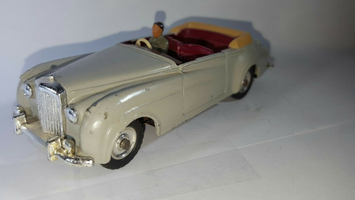 Dinky Toys Bentley S2 Congreenible Coupe. All Original. Missing Missing Missing windshield a27e33