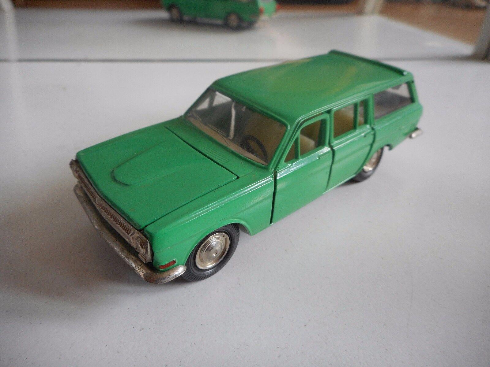USSR   CCCP GAZ Volga A3 24-02 in verde on 1 43