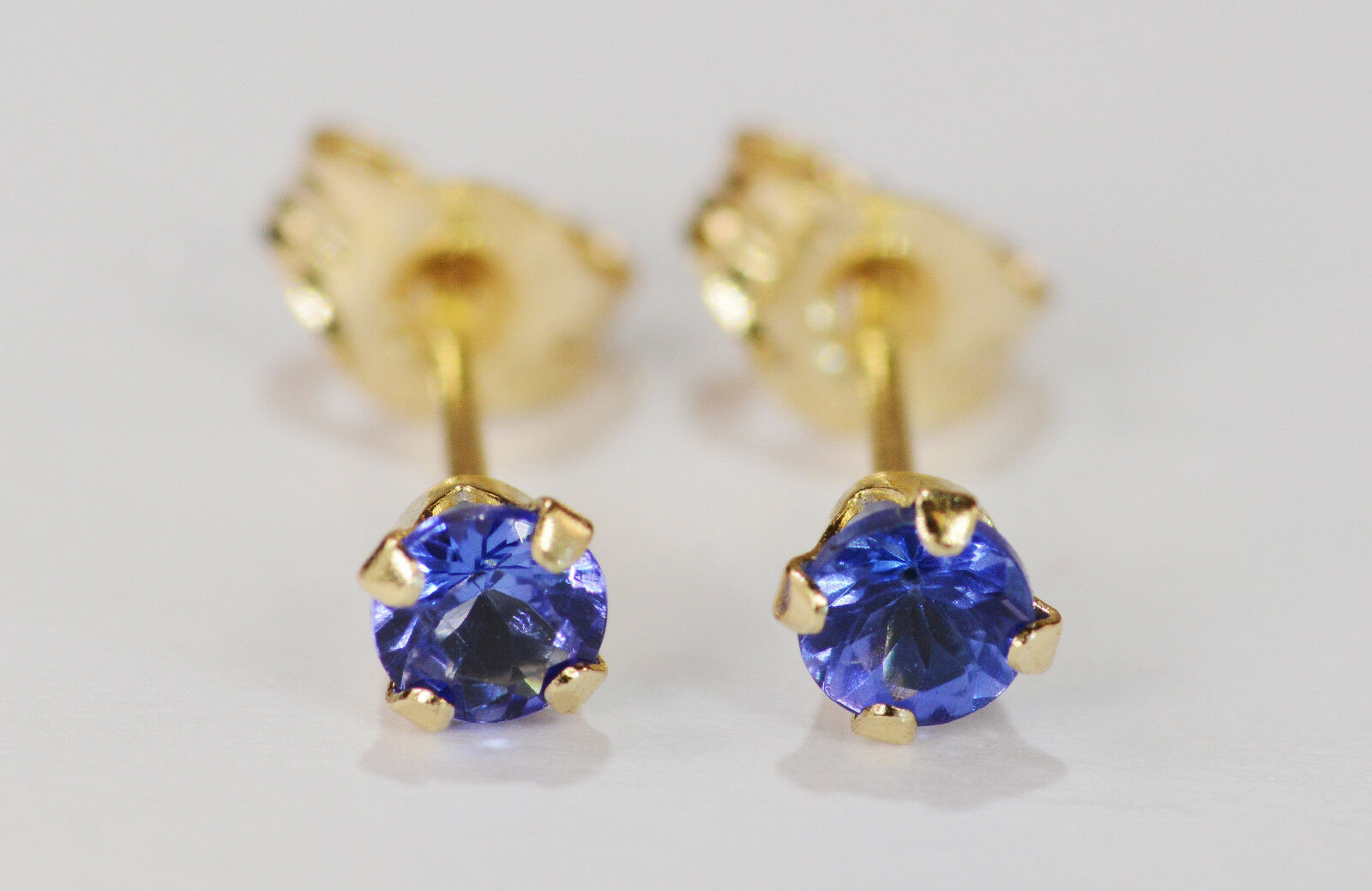 BEENJEWELED PETITE GENUINE NATURAL MINED TANZANITE EARRINGS 14 KT YLW gold3MM