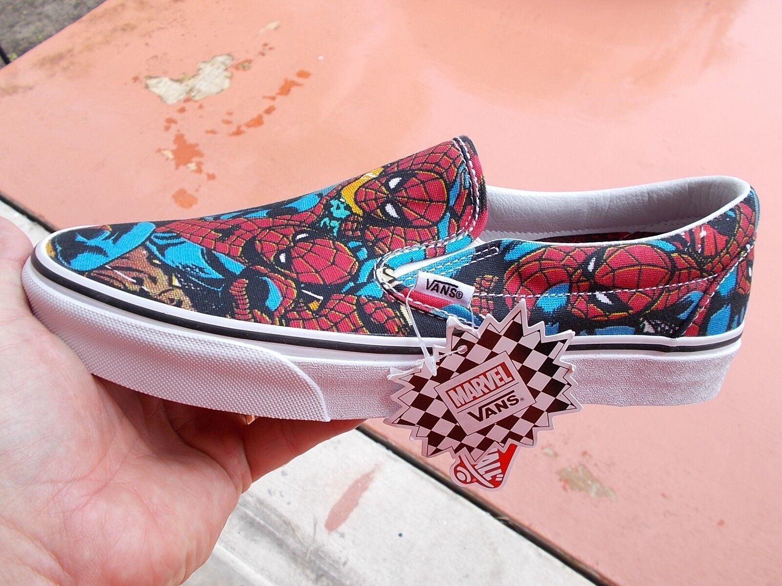 VANS  CLASSIC SLIP ON SPIDER - MAN  MARVEL RED   blueE  Size 11 .5  NEW IN BOX