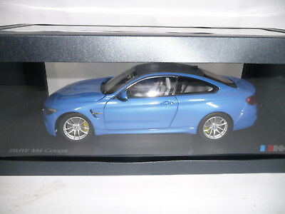 BMW M4 F82 COUPE YAS MARINA BLUE 1:18 PARAGON DEALER VERY RARE