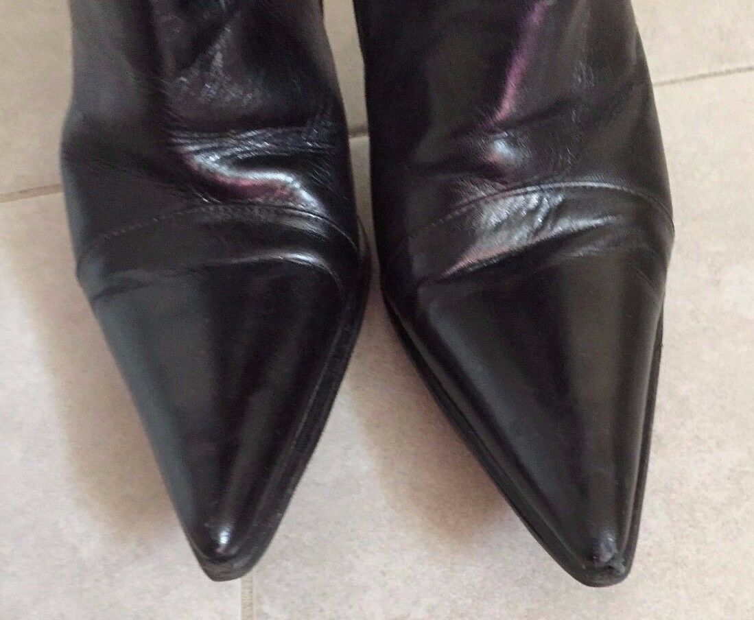 Chuckies Brand  Women's Black Pointy Stiletto Leather Boots Size 7 387102