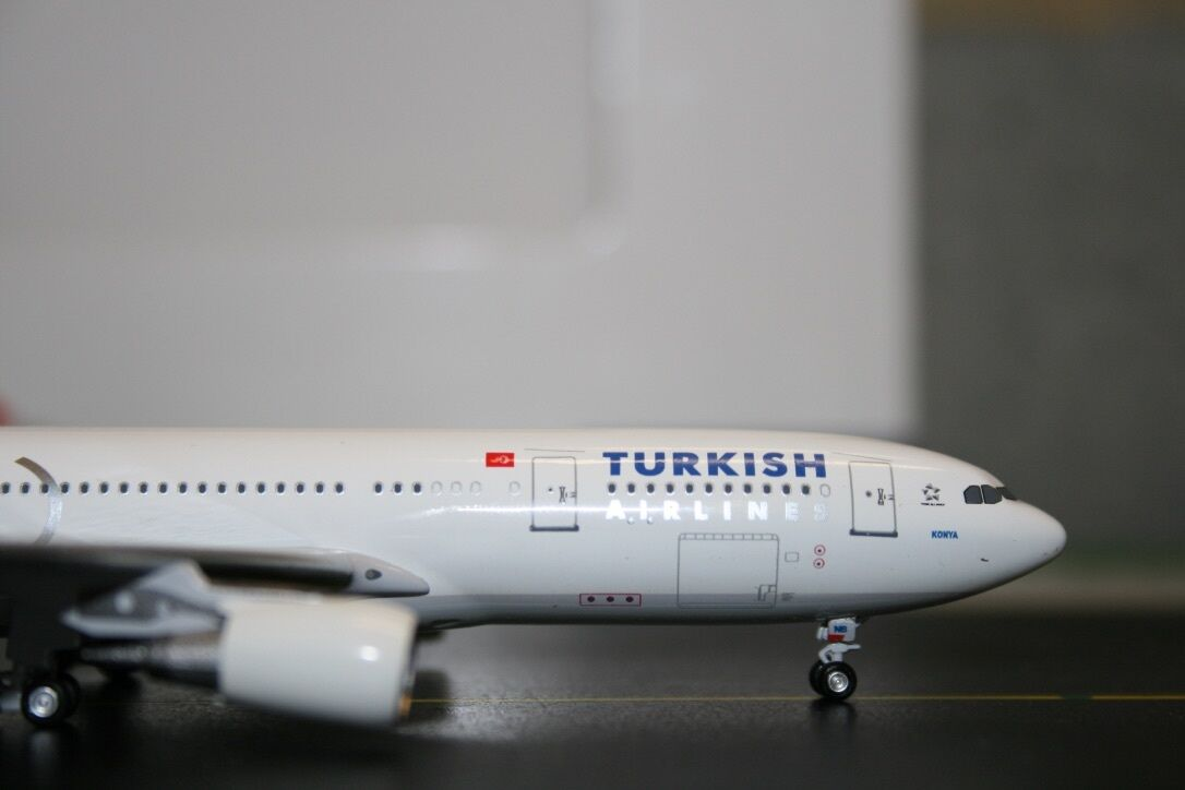 Aeroclassics Aeroclassics Aeroclassics 1 400 Turkish Airlines Airbus A330-200 TC-JNB (ACTCJNB) Model Plane 0200ad