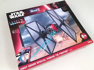Revell-Star-Wars-REV06693-First-Order-Special-Forces-TIE-Fighter-1-35-modellismo