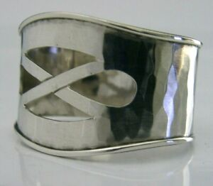 BEAUTIFUL-ARTS-amp-CRAFTS-STERLING-SILVER-NAPKIN-RING-PLANNISHED-HAND-MADE-1975