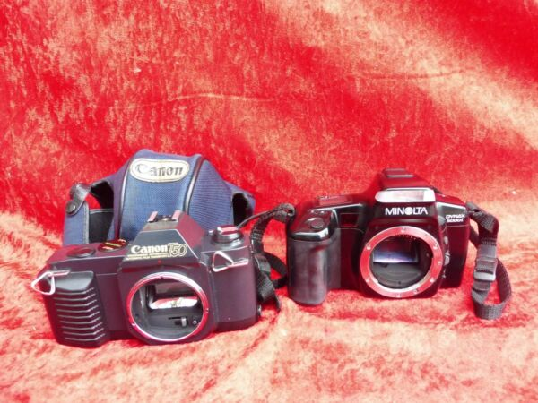 2 Ancienne Caméras __canaon T50 Et Minolta Dynax 5000i éLéGant Dans Le Style