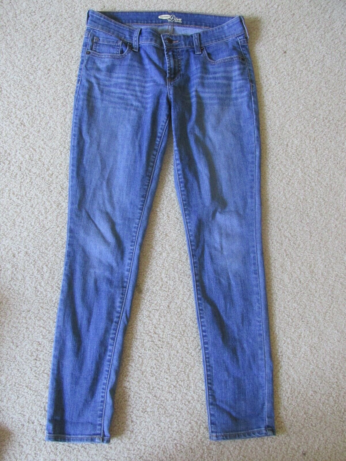 WOMEN'S OLD NAVY THE DIVA MEDIUM blueE JEAN PANTS SIZE 4 DISTRESSED SKINNY FIT