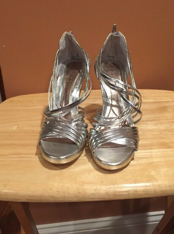 "Chinese Material Laundry Silver Strappy Sandals Man Made Material Chinese 4"" Heels US 8M 62ddf4"