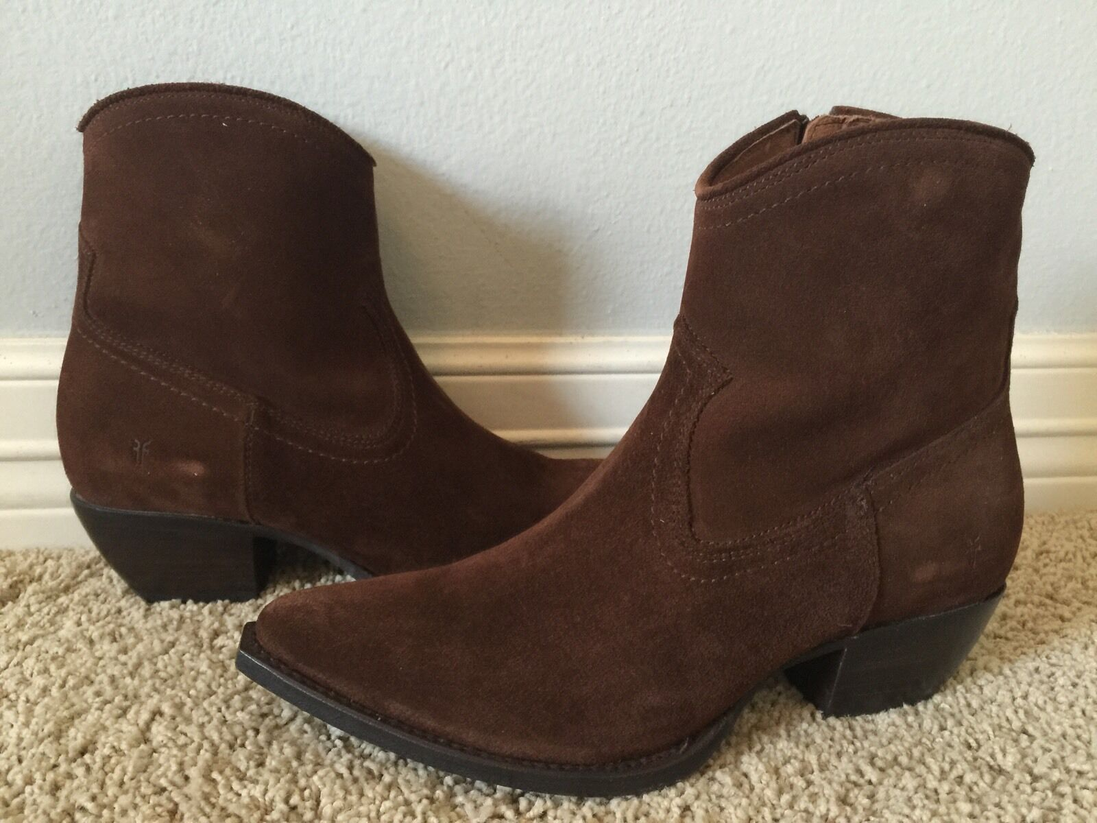 New FRYE Women's Sacha Short Chocolate Brown Suede Boots Sz 8 Retail 328