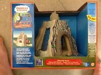 Thomas The Tank Engine Thomas And Friends Lc99364 Waterfall Tunnel Sealed