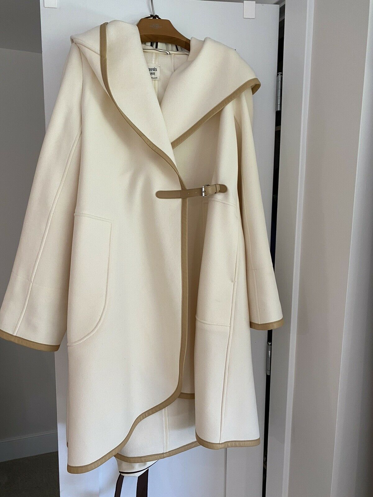 AMAZING Hermes Timeless Chic And Elegant Hooded Wool/ Cashmere Wrap Coat