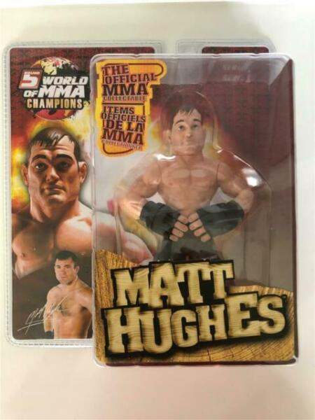 World of mma fighting champions series round boxed figure randy couture