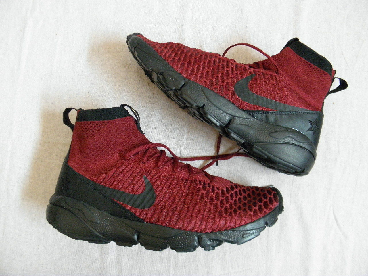 Nike Air Footscape Magista Team Red FK FC Rouesting Flyknit size 10.5 DS NEW NIB