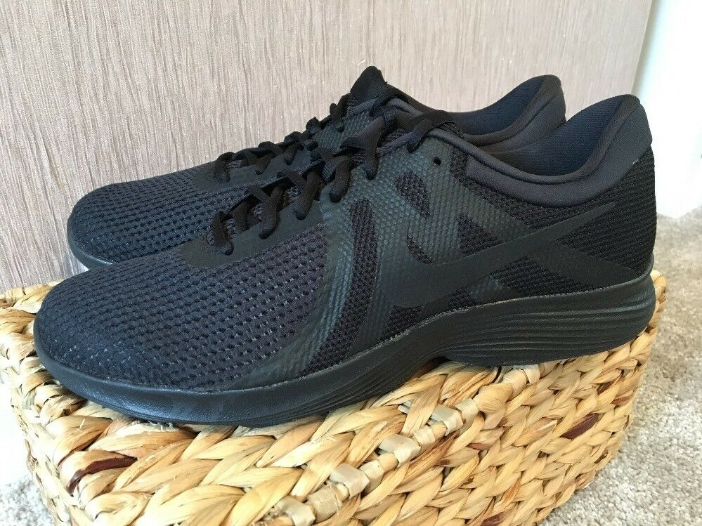 Nike Revolution 4 Trainers Ladies Uk 7 Brand  New A35
