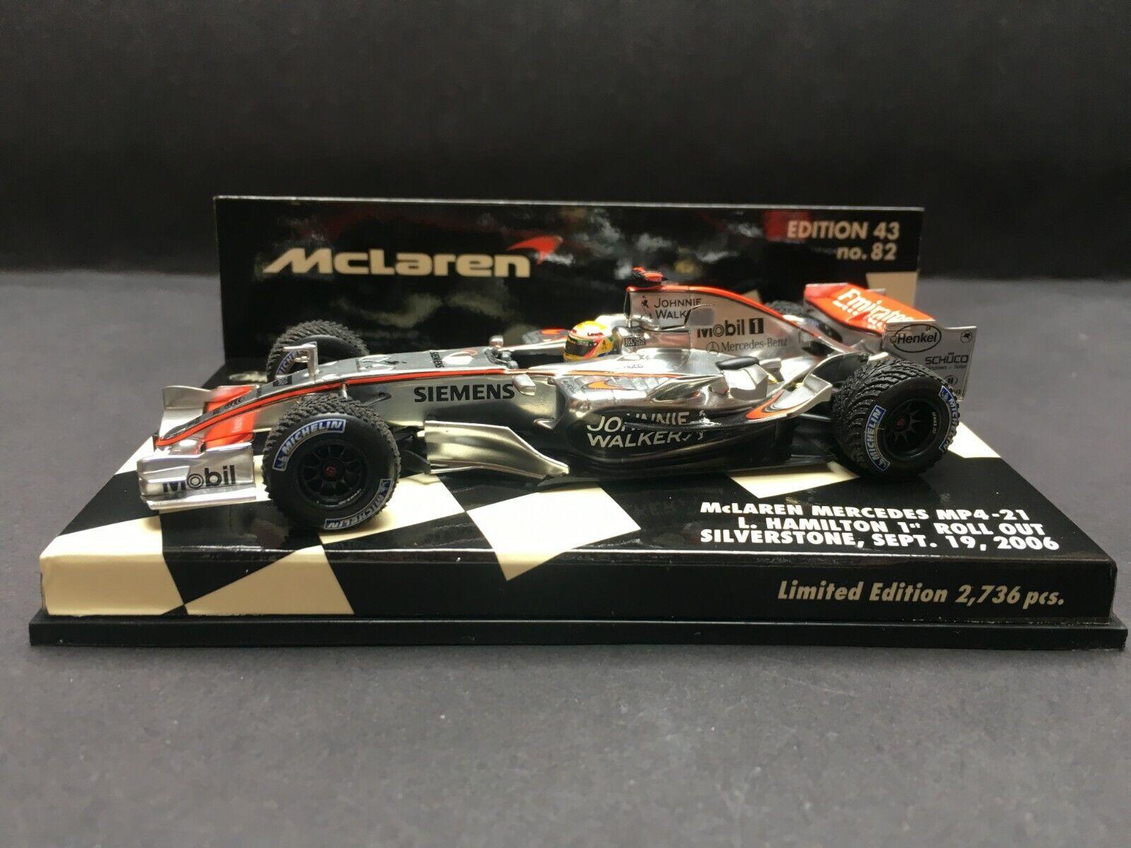 Minichamps - Lewis Hamilton - McLaren - MP4 21 - 2006 - 1st Roll Out platastone