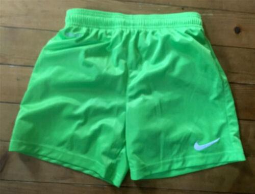 NIKE  superleichte Sporthose /Shorts 140/152  NEUwertig !!! Weitere Sportarten Leichtathletik