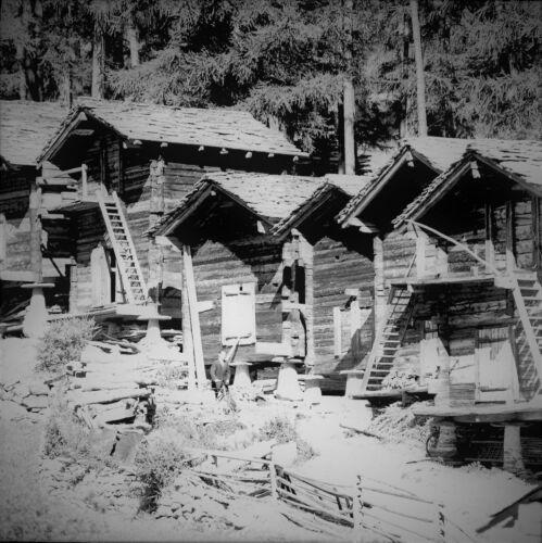 SUISSE c. 1948 - Vieux Chalets Saas-Grund - Négatif 6 x 6 - Sui 222