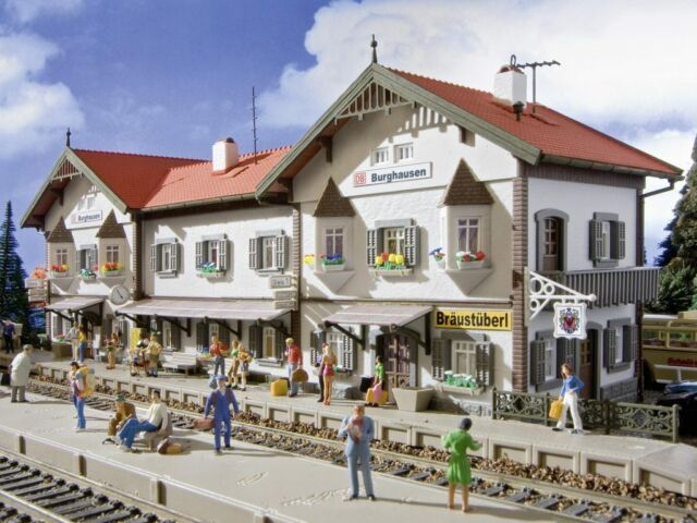 Vollmer 43522 gauge H0, Railway Station Hausen Castle # NEW ORIGINAL PACKAGING #