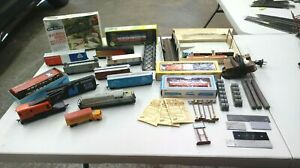HO-Scale-Trains-25-Piece-Mixed-Lot