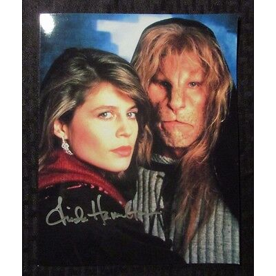 LINDA HAMILTON Signed Autographed 8x10 Glossy NM Beauty & The Beast 2 Figure