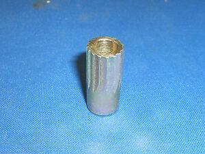 JAGUAR DAIMLER REAR BRAKE CALIPER BLEED SCREWS XJ6 XJ12 XJS DS420 556508J X 2