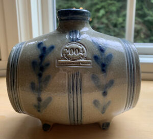 ROWE-POTTERY-2004-HISTORICAL-COLLECTION-Stoneware-Swigger