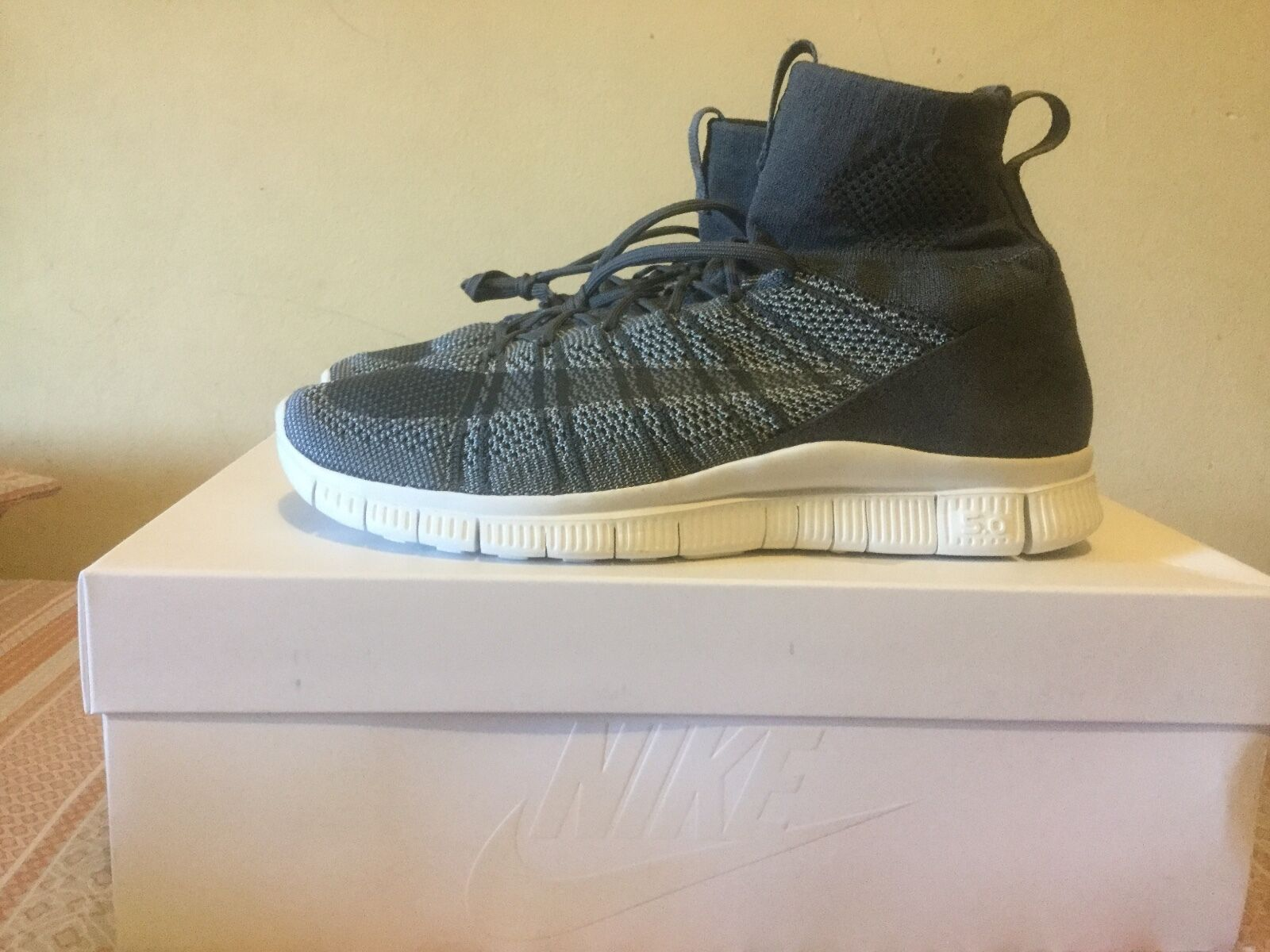 Nike Free Flyknit Mercurial Men's Size US US US Size 10.5 Dark Grey and Wolf Grey 6a4b69