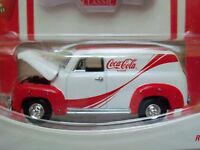 Johnny Lightning - Coca-cola On The Move - Coke Classic '50 Chevy Panel Delivery
