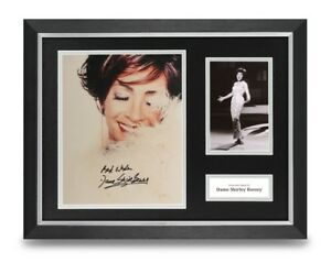 Dame-Shirley-Bassey-Signed-16x12-Framed-Photo-Display-Music-Autograph-COA
