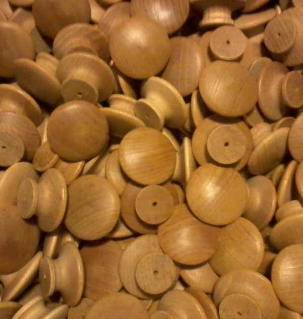 500 1-1/2 inch ROUND VARNISHED BIRCH KNOBS NEWPulls Cabinet Handles Paintable