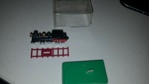 VERY NEAT METAL TOY? FIGURINE OF TRAIN LOCOMOTIVE IN PLASTIC CASE LOOK!