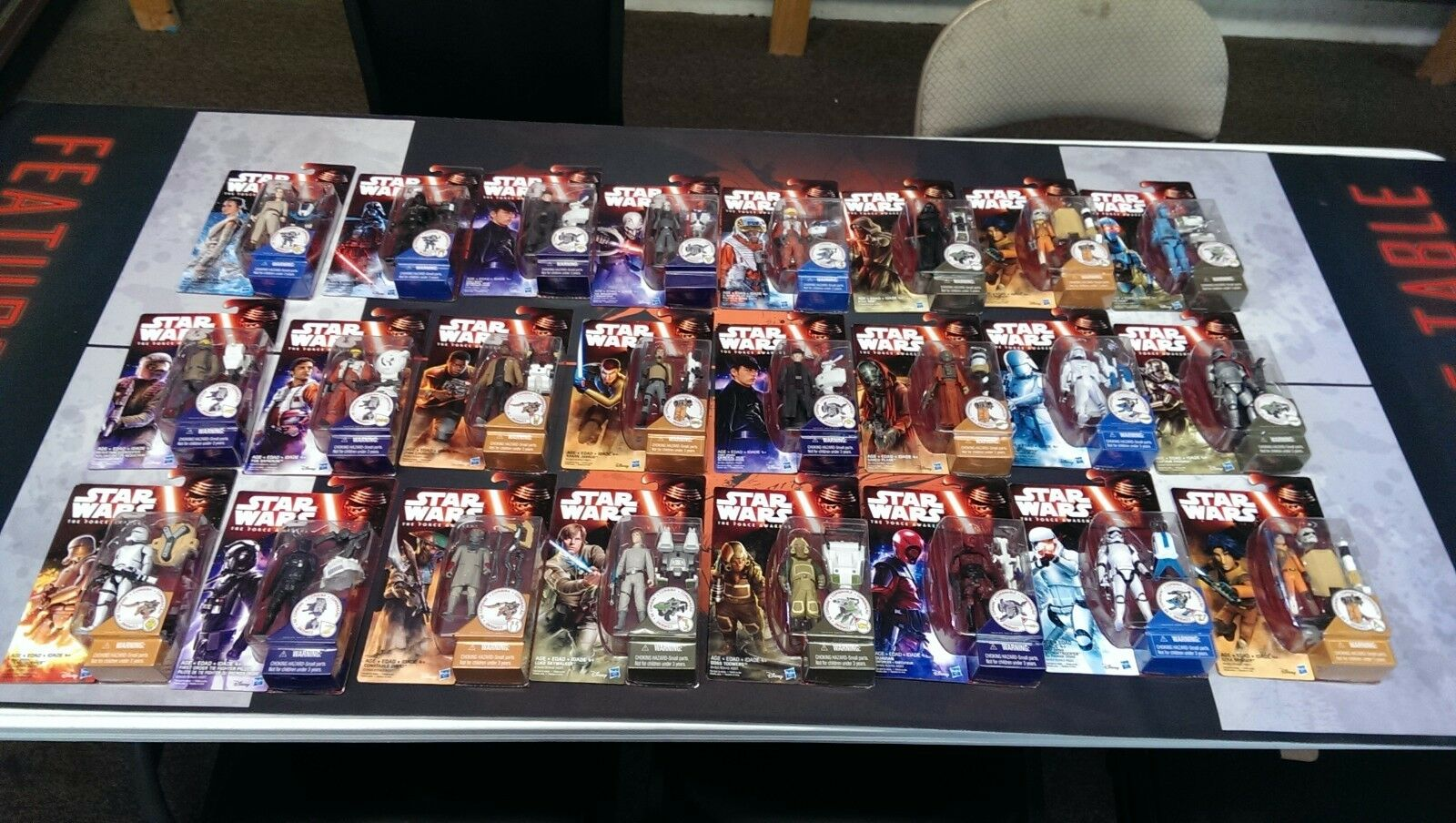 24 STAR WARS carded action figures - The Force Awakes - Darth Vader, Luke, Fin