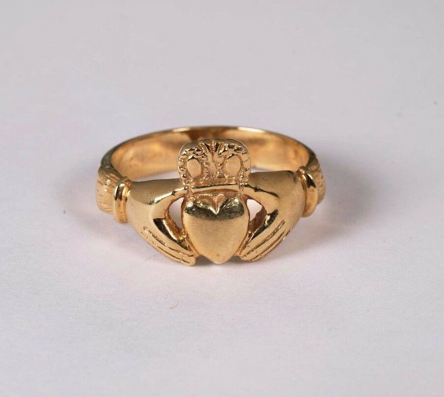 14K Yellow gold Claddagh Ring, Size 10