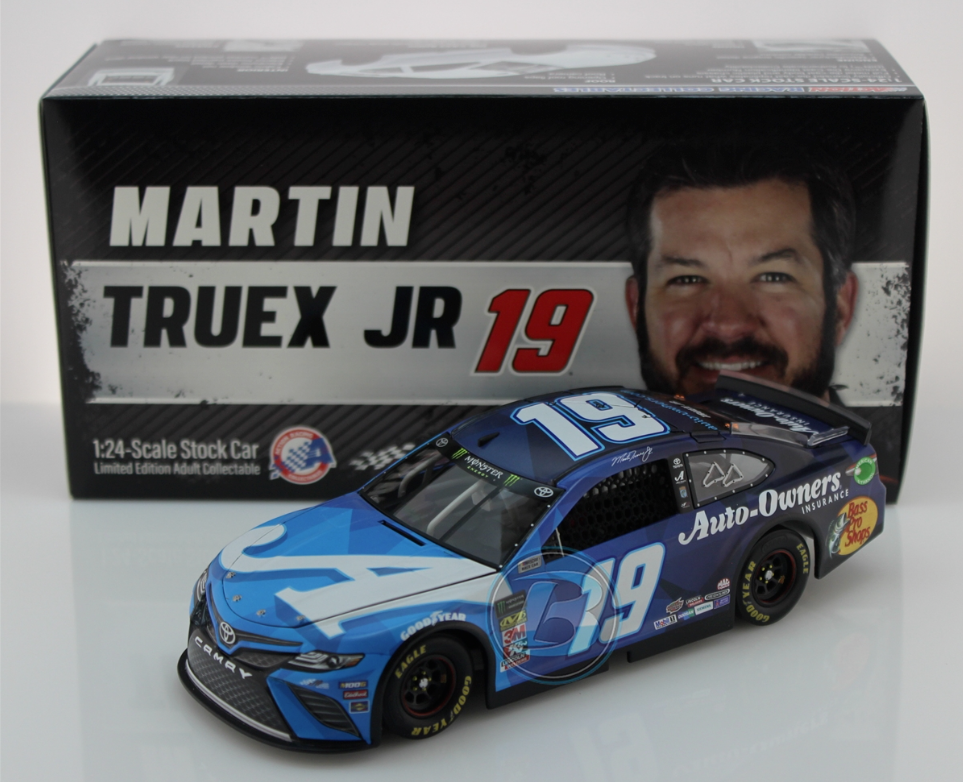NEW NASCAR 2019 MARTIN TRUEX   19 AUTO OWNERS INSURANCE 1 24 CAR