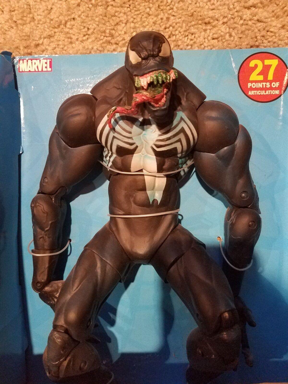 Marvel deluxe action figure Venom 12