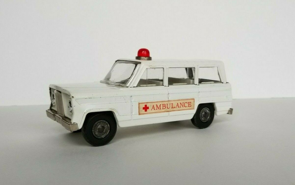 RARE TIN CRAGSTAN ambulance STATION WAGON MADE IN JAPAN-antique vintage 1960 s