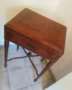 Antico-tavolino-impero-con-cassetto