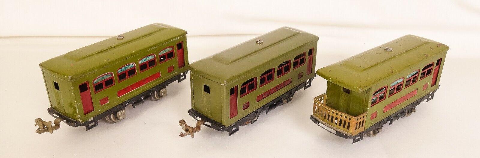 LIONEL  529-530-629 SET OF (3) OLIVE & rot FOUR WHEEL PASSENGER CARS-NICE