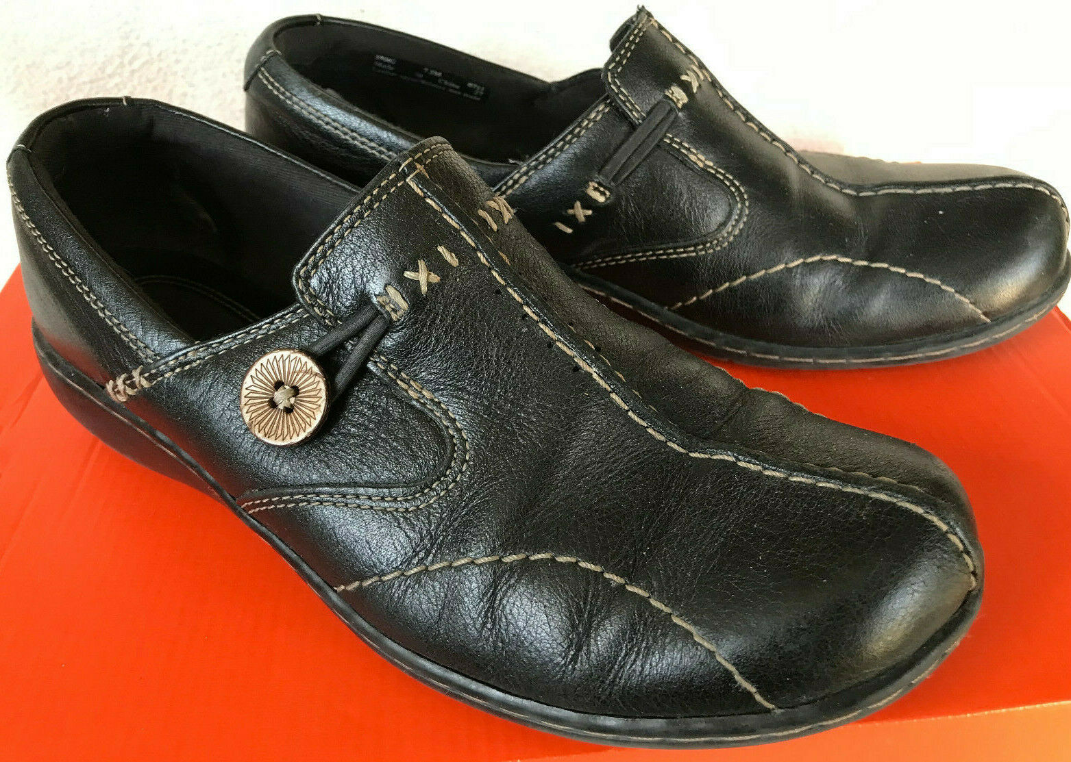Clarks Sixty Delta 35062 Black Leather Button Slip-On Loafers shoes Women's 7.5