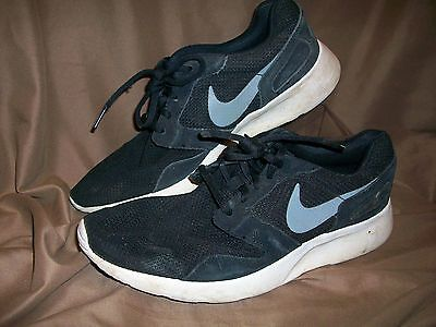 *USED* *VERY WORN* NIKE MENS SIZE 10 RUNNING SHOES BLACK WHITE