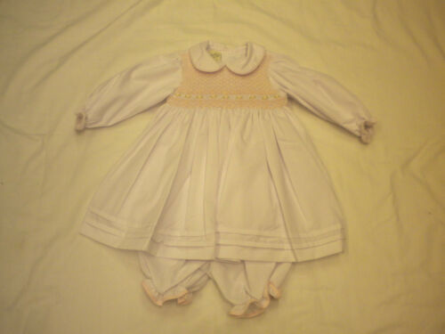 Pretty Original Vestido smocked Estilo mc00579 Tamaño newborn-12mths Crema O Blanco