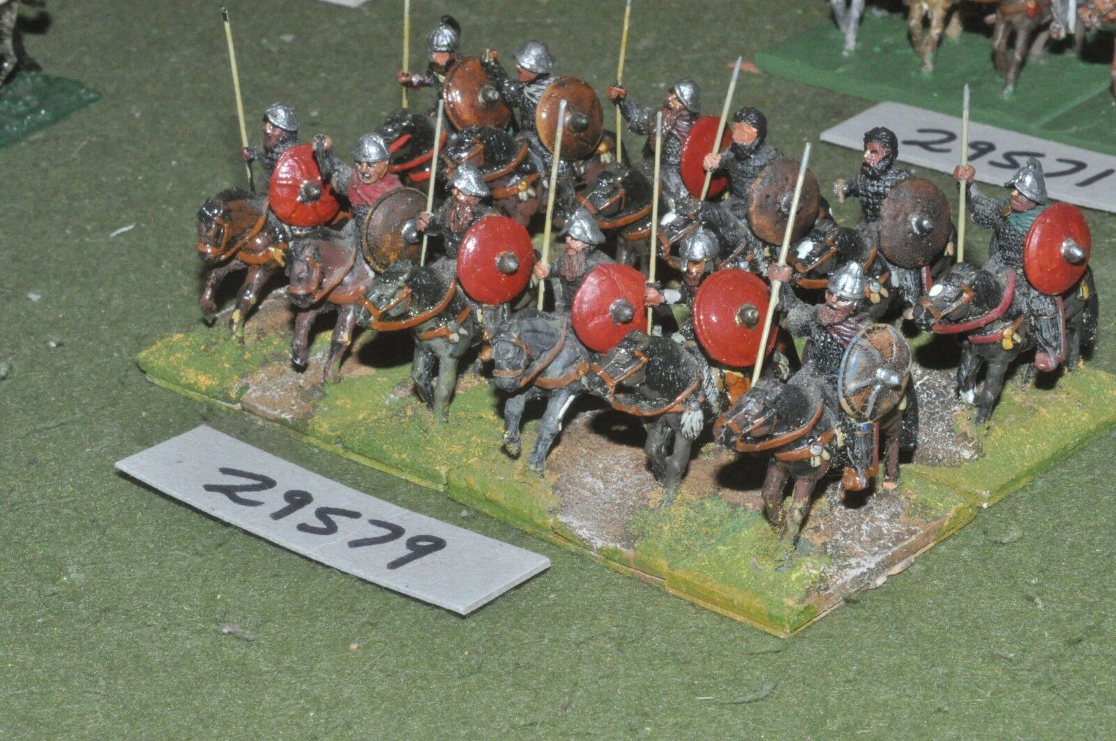 25mm dark ages   carolingian - heavy 12 figures - cav (29579)